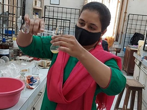 યુનિ.ની સાયન્સ ફેકલ્ટીનાં આિસસ્ટન્ટ પ્રોફેસરે દવાની પેટન્ટ કરાવી હતી. - Divya Bhaskar