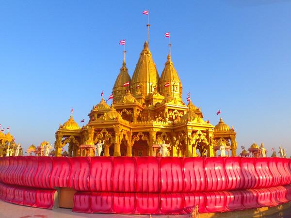 પાટડી વર્ણીન્દ્રધામ મંદિરમાં3000રોપાના વાવેતરનો પ્રારંભ સાથે શ્રદ્ધાળુઓ માટે ભગવાનના દ્વાર ખૂલ્યા - Divya Bhaskar