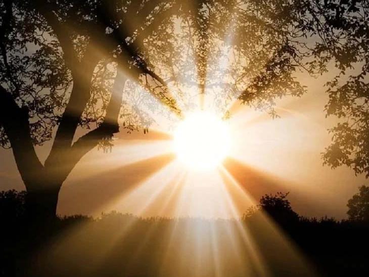 સૂર્યના કર્ક રેખા ઉપર આવી જવાથી થોડી ક્ષણ માટે પડછાયો અદૃશ્ય થઈ જાય છે