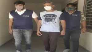 હની ટ્રેપ કેસમાં સંડોવાયેલા તત્કાલીન પીએસઆઈ જનક બ્રહ્મભટ્ટ ગાંધીનગર પોલીસમાં વહીવટદારની 'ભૂમિકા' નિભાવતા હતા|ગાંધીનગર,Gandhinagar - Divya Bhaskar