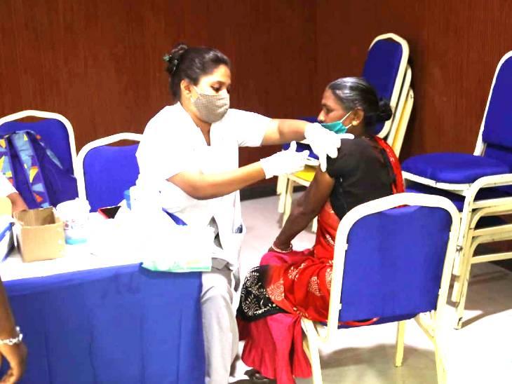 ઓન ધ સ્પોટ રજિસ્ટ્રેશન કરી વેક્સિન આપવામાં આવી - Divya Bhaskar