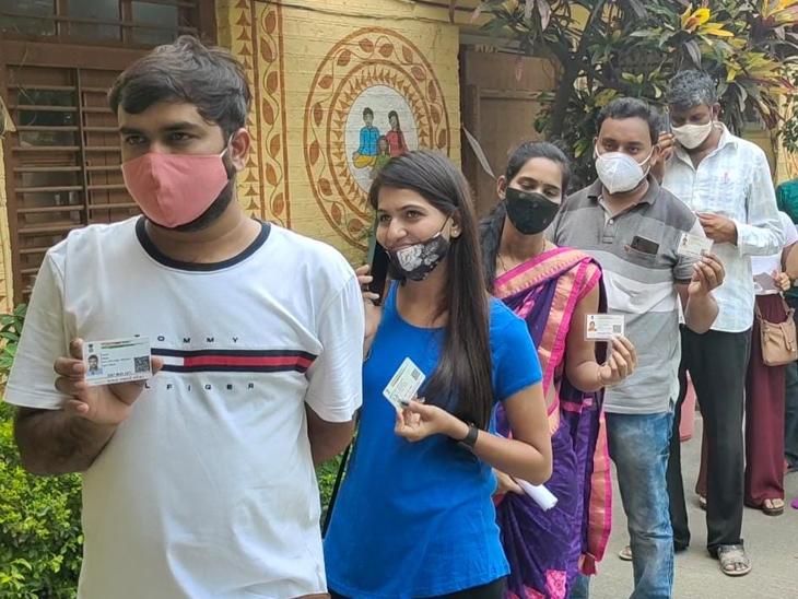 જિલ્લામાં 18થી 44 વર્ષના 8,53,264ના ટાર્ગેટ સામે 11 દિવસમાં 54,100 લોકોએ રસી મુકાવતાં માત્ર 6 ટકા રસીકરણ બારડોલી,Bardoli - Divya Bhaskar