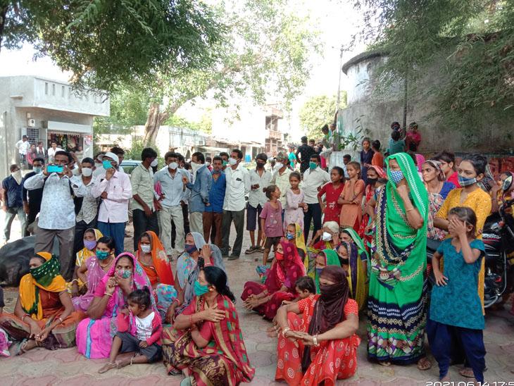 ગોરજ ગામે છેલ્લા 4 મહિનાથી પીવાના પાણીની વિકટ સમસ્યા|વાઘોડિયા,Waghodia - Divya Bhaskar