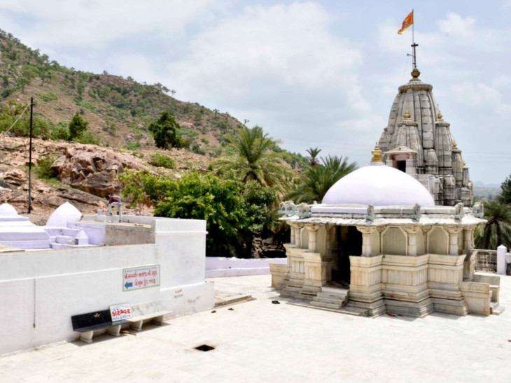 કોટેશ્વર મહાદેવ મંદિરની તસવીર - Divya Bhaskar