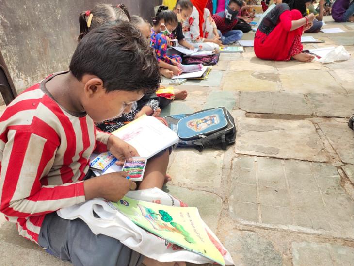 નગર પ્રાથમિક શિક્ષણ સમિતિના નવતર અભિગમથી ગરીબ પરિવારોના વિદ્યાર્થીઓ શિક્ષણનો લાભ લઇ રહ્યા છે