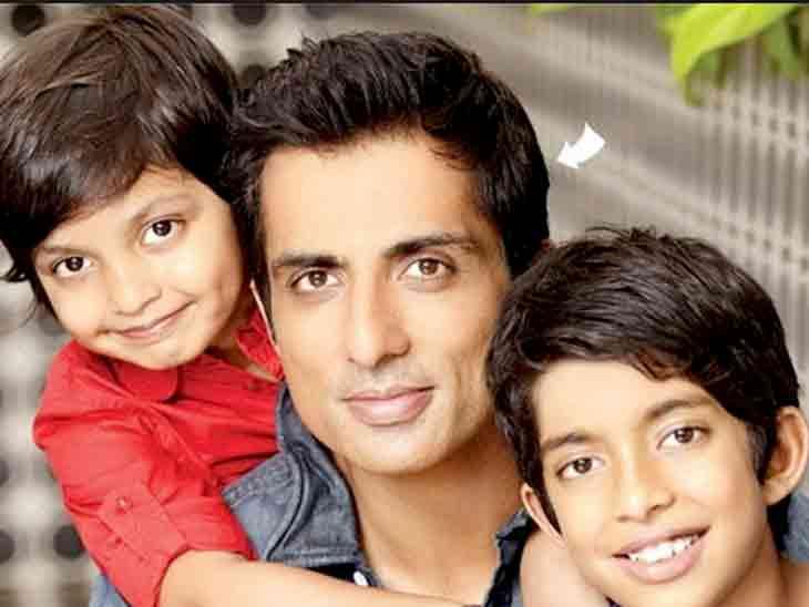 ફાધર્સ ડે પહેલાં સોનુ સૂદે દીકરાને અઢી કરોડની બ્રાન્ડ ન્યૂ મર્સિડિઝ કાર ગિફ્ટમાં આપી|બોલિવૂડ,Bollywood - Divya Bhaskar