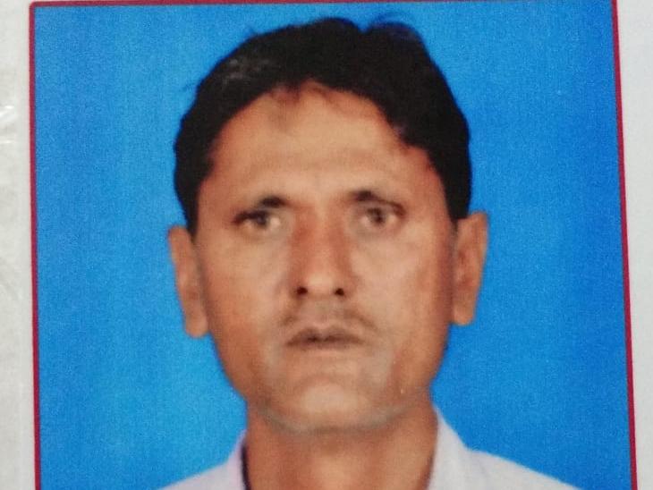મૃતક પિતાની તસવીર - Divya Bhaskar