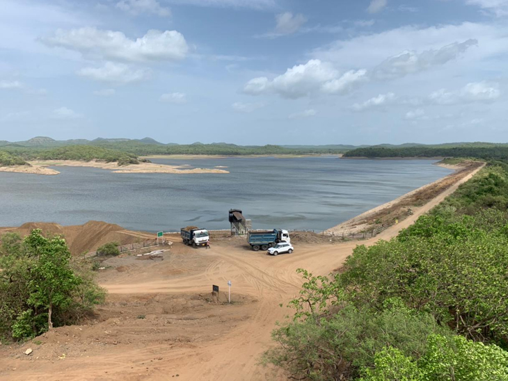 કમલેશ્વર ડેમમાં હાલ 162 MCFT પાણીનો જીવંત જથ્થો છે. ડેમની કુલ કેપેસિટીના 25 % ગણાય. - Divya Bhaskar