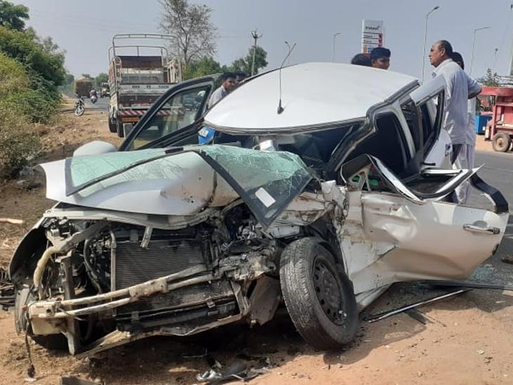 અકસ્માતમાં સ્વીફ્ટ ગાડીના આગળના ભાગનો ખુડદો - Divya Bhaskar