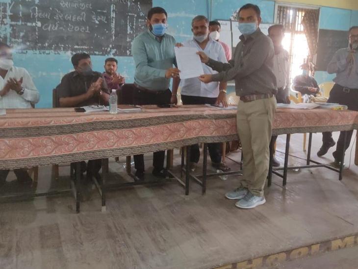 કેમ્પમાં 100થી વધુ શિક્ષકને મનપસંદ જગ્યા મળી. - Divya Bhaskar