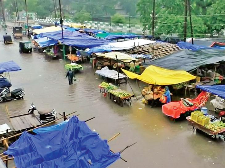 નગરપાલિકા શાકભાજી માર્કેટ - Divya Bhaskar