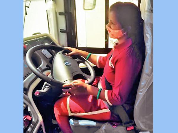 BRTS ડ્રાઇવરરેખાબહેન કહાર. - Divya Bhaskar