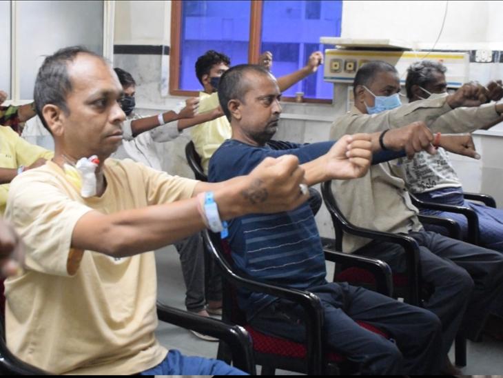 યોગ-પ્રાણાયામ ઓક્સિજનની જરૂરિયાતને ઘટાડી કોરોનાગ્રસ્ત દર્દીઓમાં ઝડપી સ્વસ્થતા લાવે છે: કિડની હોસ્પિટલ|અમદાવાદ,Ahmedabad - Divya Bhaskar