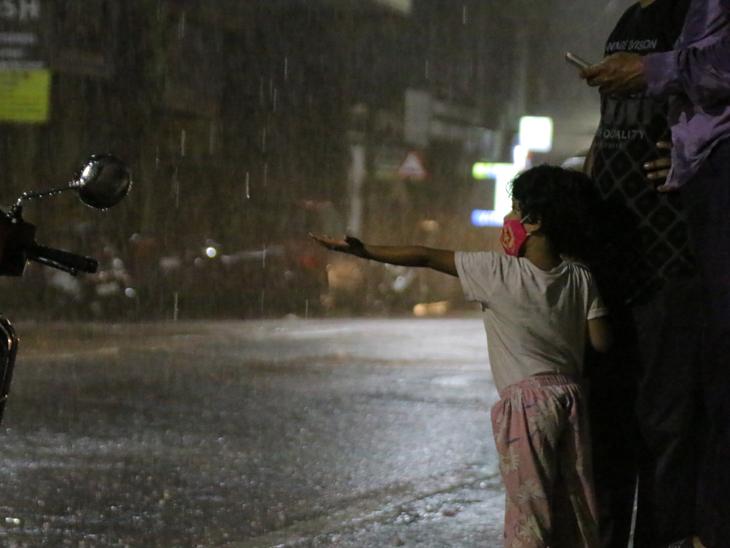 શહેરમાં સરેરાશ અડધો ઇંચ વરસાદ, સૌથી વધુ વરાછા-રાંદેરમાં 1 ઇંચ પડ્યો|સુરત,Surat - Divya Bhaskar