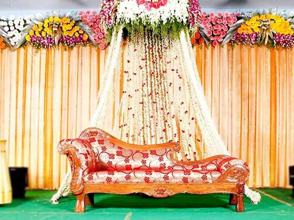અમદાવાદમાં બીજા લગ્નના રિસેપ્શનમાં પ્રથમ પત્ની આવી જતાં પતિ ભાગી ગયો|અમદાવાદ,Ahmedabad - Divya Bhaskar