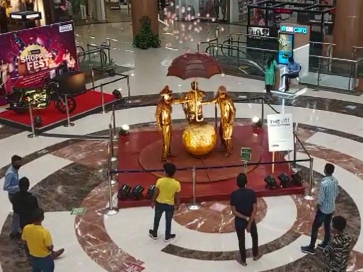 વડોદરાના આર્ટિસ્ટે 500 કિલો વજનનું સ્કલ્પચર બનાવ્યું છે