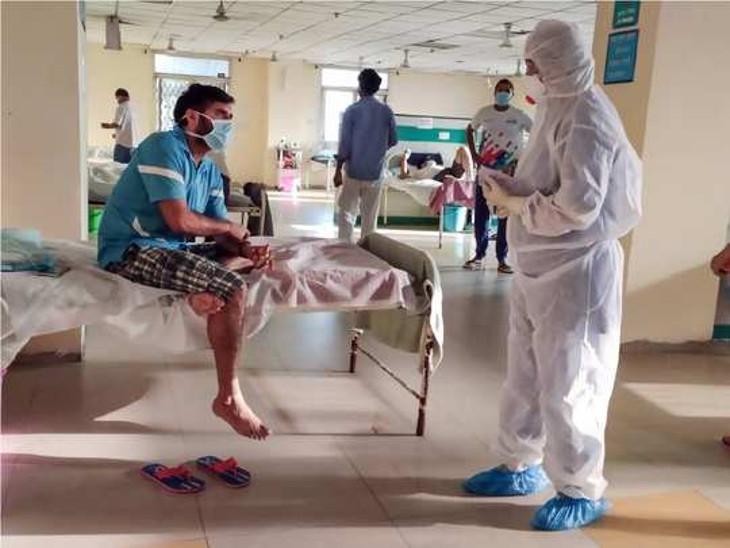 રાજકોટમાં અસંખ્ય લોકોનો ભોગ લેનાર કોરોના ખોખલો થયો, 420માંથી 5 ખાનગીમાં અને 20 દર્દી સિવિલમાં દાખલ, 400ના ટેસ્ટ સામે રોજ 4નો પોઝિટિવ રિપોર્ટ|રાજકોટ,Rajkot - Divya Bhaskar