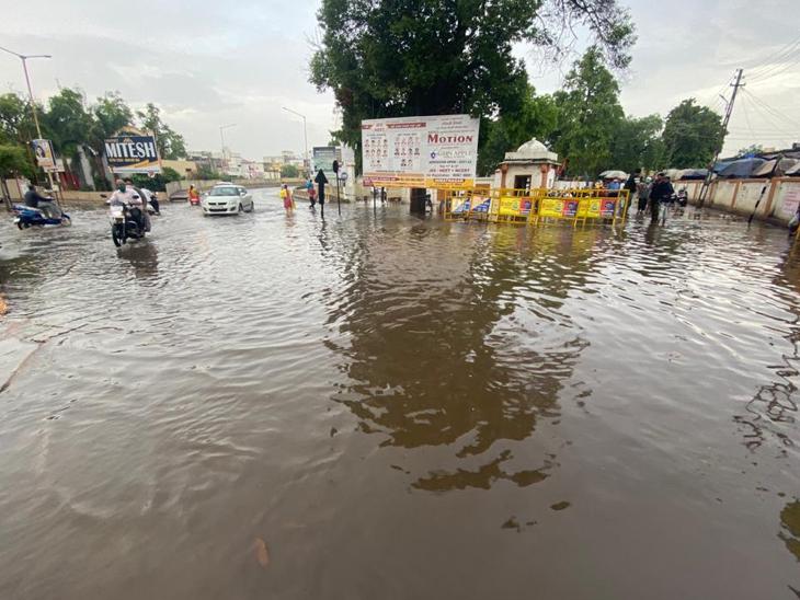 મોડાસામાં પોણા બે અને હિંમતનગરમાં પોણો ઇંચ વરસાદ હિંમતનગર,Himatnagar - Divya Bhaskar