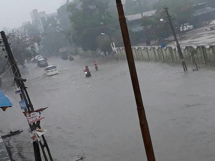 24 કલાકમાં 88 તાલુકામાં મેઘમહેર, સૌથી વધુ વડોદરાના ડભોઈમાં 2.3 ઇંચ વરસાદ, આગામી 4-5 દિવસ સામાન્યથી ભારે વરસાદની આગાહી|અમદાવાદ,Ahmedabad - Divya Bhaskar