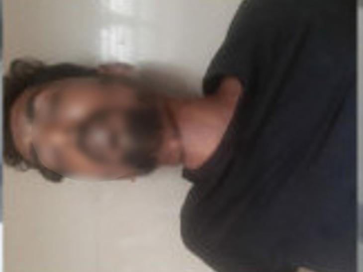 મૃતદેહને પીએમ માટે હોસ્પિટલ ખસેડાયો. - Divya Bhaskar