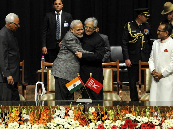 2015માં PDPના સ્થાપક મુફ્તિ મોહમ્મદ સઇદના નેતૃત્વમાં જમ્મુ-કાશ્મીરમાં નવી સરકાર બની હતી. પાર્ટીએ પ્રદેશમાં પહેલી વખત ભાજપની સાથે ગઠબંધન કર્યું હતું. સઇદના શપથ ગ્રહણ સમારંભમાં વડાપ્રધાન મોદી સામેલ થયા હતા. - Divya Bhaskar