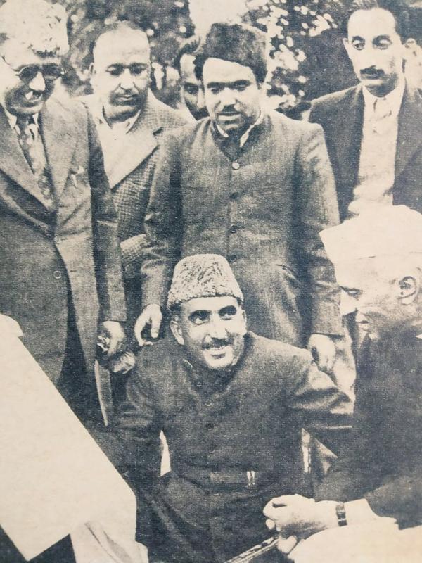 વડાપ્રધાન જવાહરલાલ નેહરુની સાથે કાશ્મીરના નેતા બખ્શી ગુલામ મોહમ્મદ અને જીએમ સાદિક.