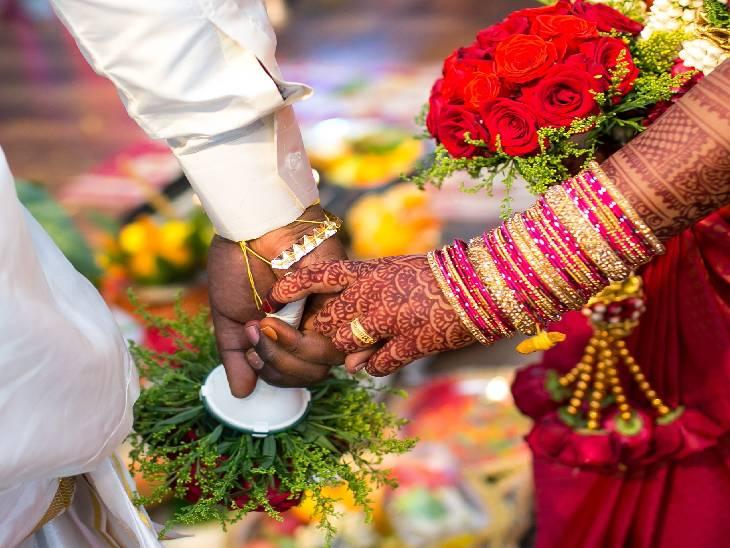વરરાજા ચશ્માં વગર ન્યૂઝ પેપર ન વાંચી શક્યો તો દુલ્હને લગ્ન કરવાની ઘસીને ના પાડી દીધી, વરરાજાની ફેમિલી સામે પોલીસ કેસ કરી તમામ કેશ અને ગિફ્ટ્સ પણ પરત માગી|લાઇફસ્ટાઇલ,Lifestyle - Divya Bhaskar