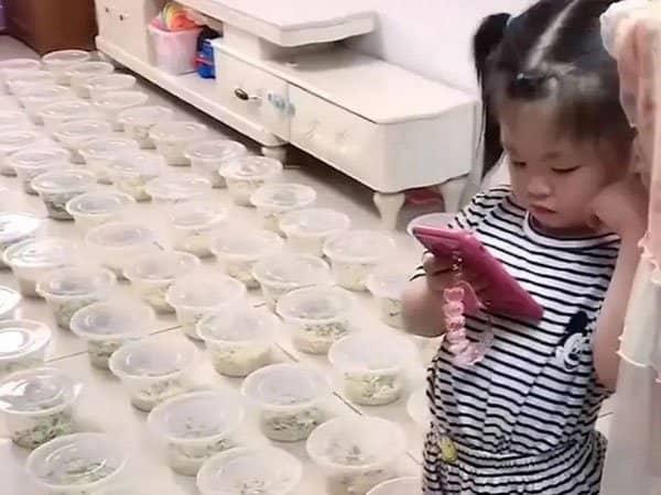 ત્રણ વર્ષની બાળકીને ભૂખ લાગતા 100 બાઉલ નૂડલ્સ ઓર્ડર કરી દીધા, બાદમાં 15 હજારનું બિલ ઘરે આવ્યું|લાઇફસ્ટાઇલ,Lifestyle - Divya Bhaskar