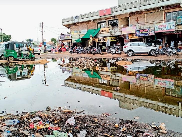વરસાદના આગમનની સાથે જ ડભોઇની સોસાયટીઓમાં પાણી ભરાતા લોકોમાં રોષ|ડભોઈ,Dabhoi - Divya Bhaskar