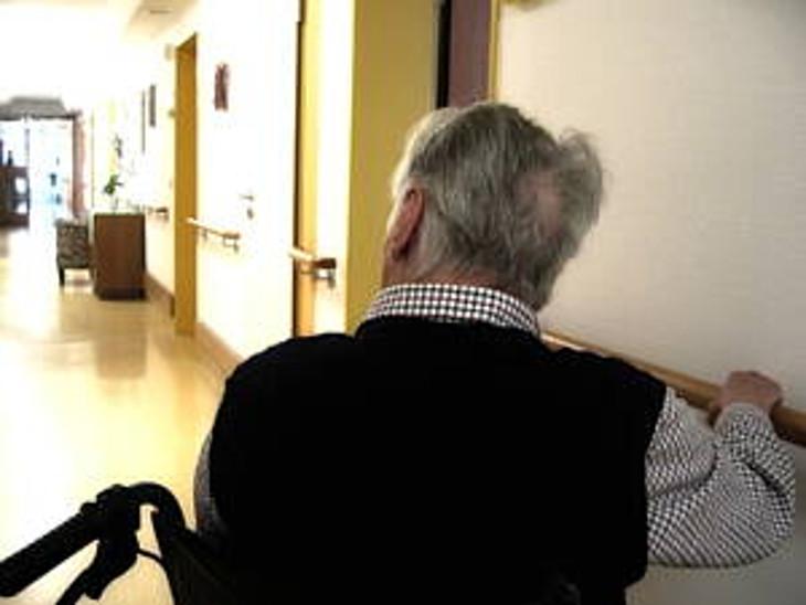 81 ટકા પુરૂષ વૃદ્ધ એકલતા અનુભવે છે.