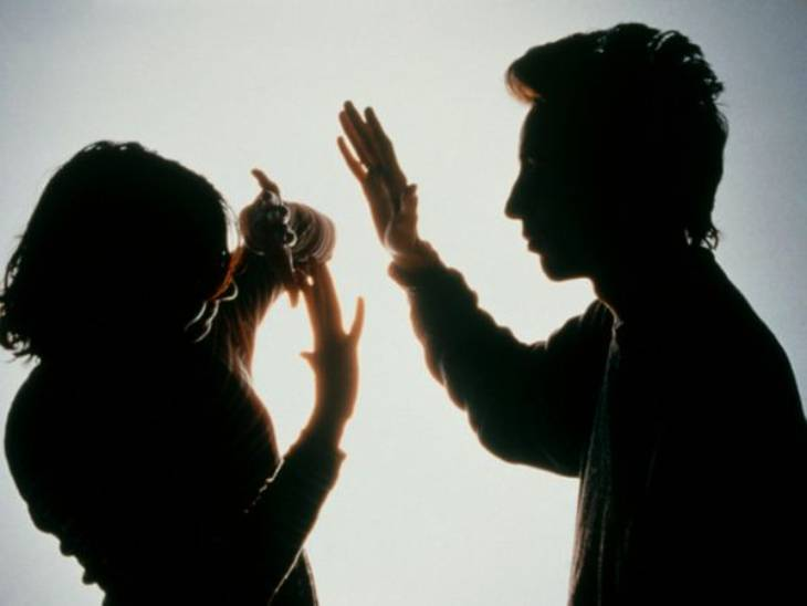 સાસુ કહેતી હતી કે માણસને ગુસ્સો આવે તો માર મારે, તારે સહન કરી લેવાનું ( પ્રતીકાત્મક તસવીર) - Divya Bhaskar