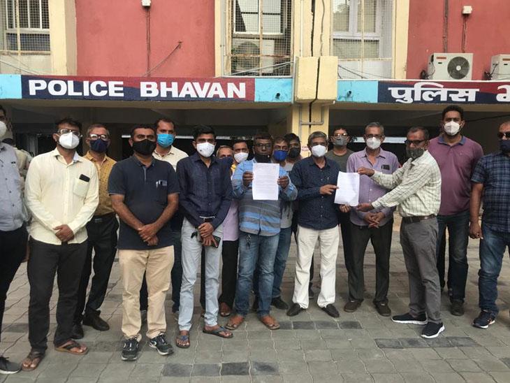 પાટીદાર સમાજની પોલીસને ઉગ્ર રજૂઆત યુવતીને નોકરી આપી આત્મનિર્ભર કરશે|વડોદરા,Vadodara - Divya Bhaskar