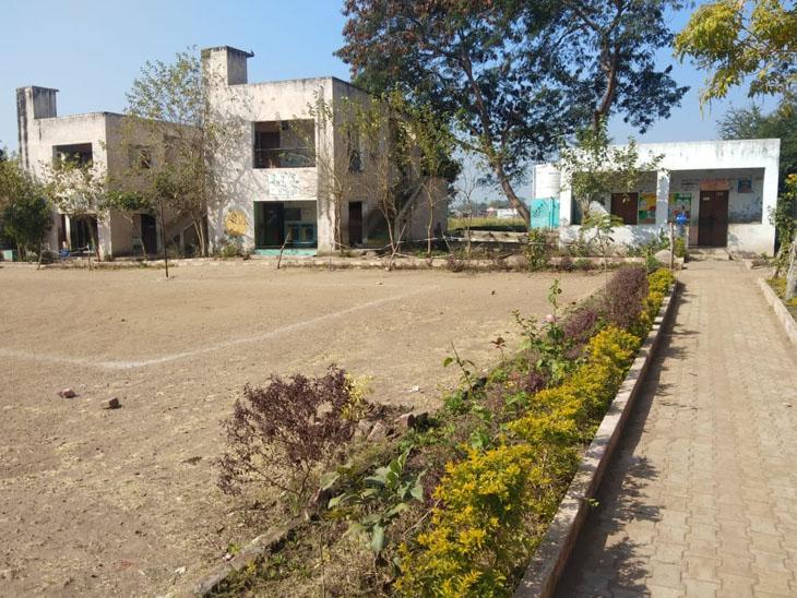 વજેલાવ મોડેલ સ્કૂલ. - Divya Bhaskar