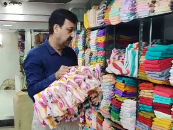 સુરતમાં ટેક્સટાઇલ ઉદ્યોગ સાથે સંકળાયેલા લોકોની હાલત કફોડી, ત્રીજી લહેર આવશે તો વિપરીત અસર પડી શકે સુરત,Surat - Divya Bhaskar