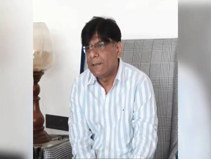 ગુજરાત મલ્ટિપ્લેક્સ એસોસિએશનના ઉપપ્રમુખ અને રાજકોટ કોસમોપ્લેક્ષ સિનેમાઘરના મલિક અજય બગડાઇ