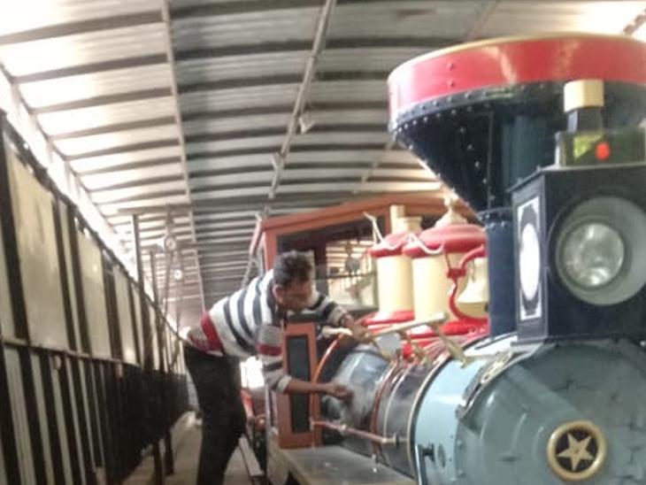 જોય ટ્રેની સાફસફાઈ શરૂ કરાઈ. - Divya Bhaskar