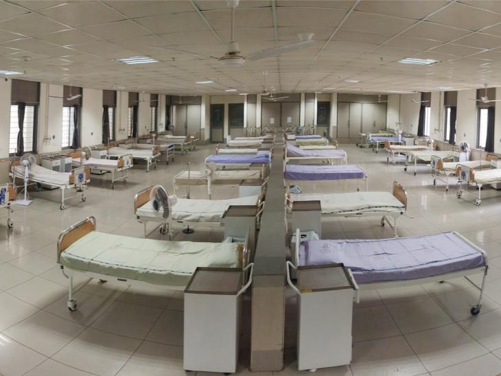 એપ્રિલ-મેમાં બીજી લહેરમાં દર્દીઓથી ઊભરાઈ ગયેલી સિવિલ હોસ્પિટલનો કોરોના વોર્ડ ખાલીખમ, 1200 બેડમાંથી 1160 ખાલી|અમદાવાદ,Ahmedabad - Divya Bhaskar
