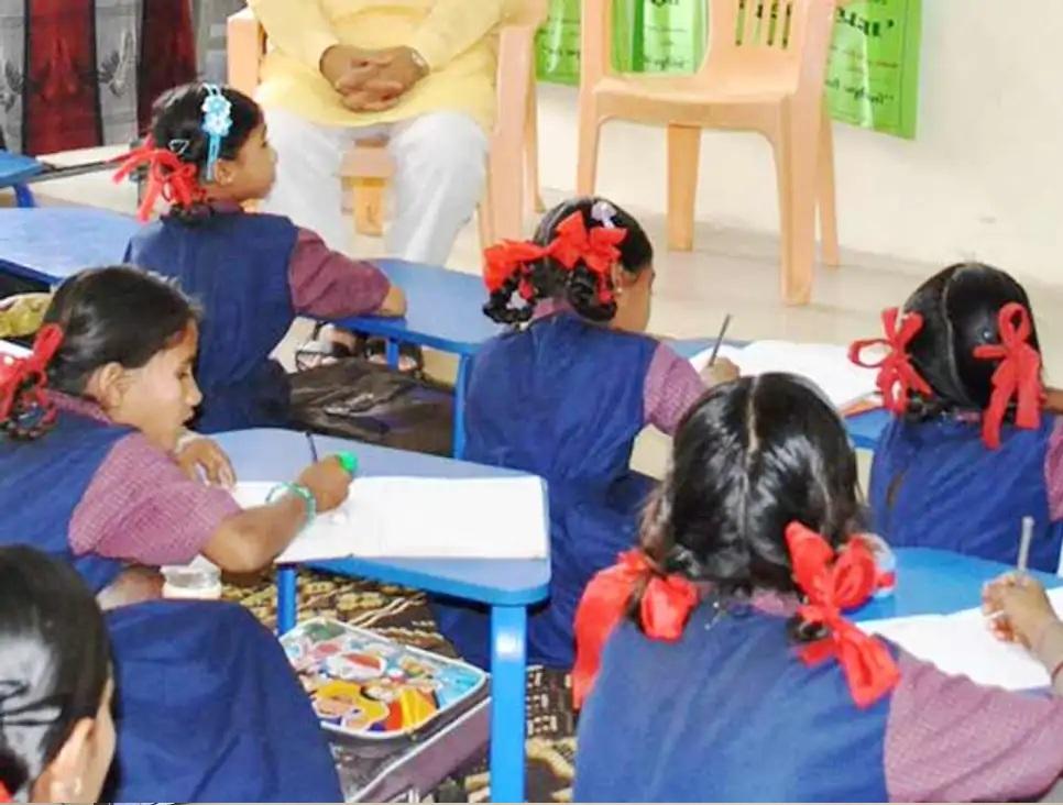 બાળકોની પ્રતિકાત્મક તસવીર - Divya Bhaskar