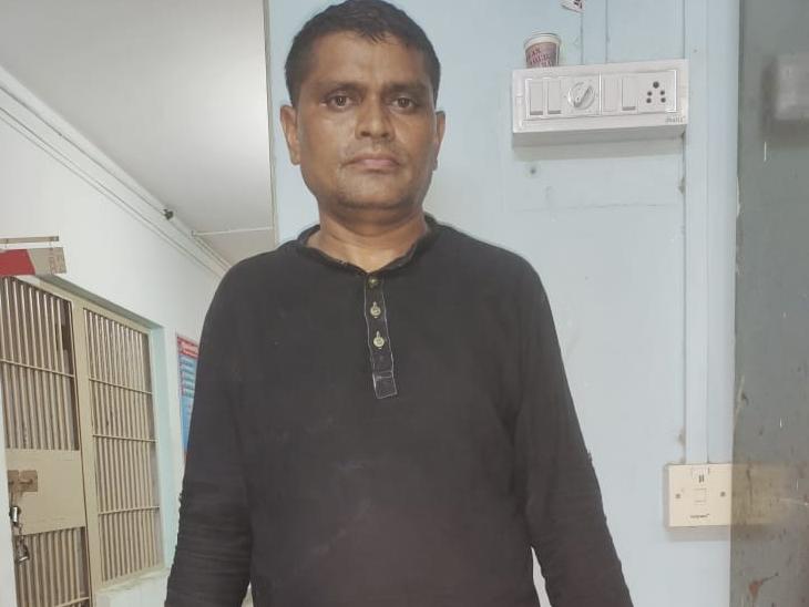આરોપી શિક્ષક સિરાજ સૈયદ - Divya Bhaskar