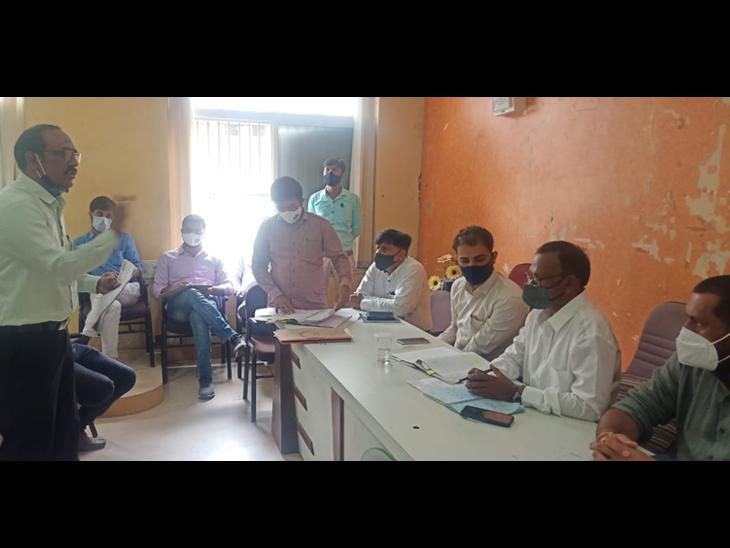 હિંમતનગર તાલુકા પંચાયતની સામાન્ય સભા યોજાઇ હતી. - Divya Bhaskar