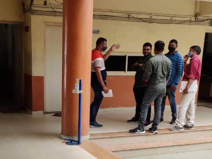 આરોપી પર્વ શાહના 1 દિવસના રિમાન્ડ કોર્ટે મંજૂર કર્યા, પોલીસ અકસ્માત સ્થળે જઈ ઘટનાનું રિકન્સ્ટ્રક્શન કરાવી શકે|અમદાવાદ,Ahmedabad - Divya Bhaskar