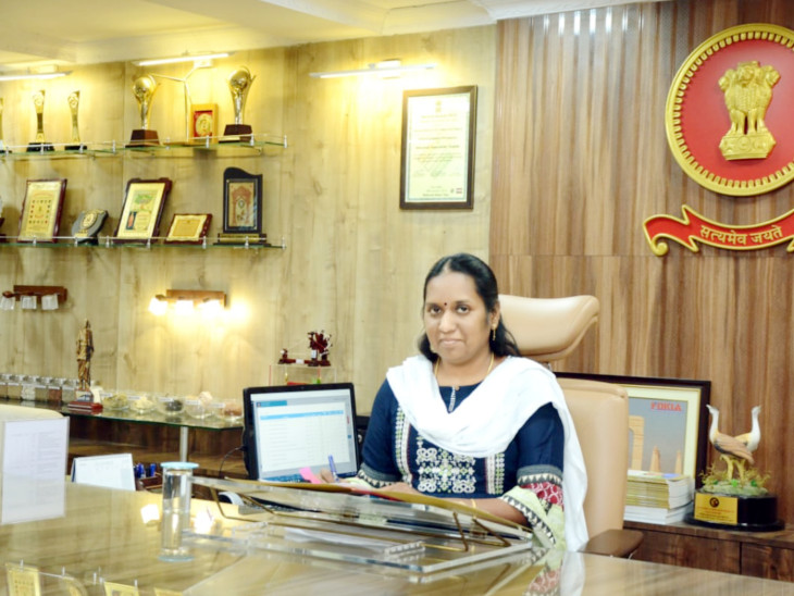 કચ્છના કલેક્ટર પ્રવીણા ડી.કેની તસવીર - Divya Bhaskar