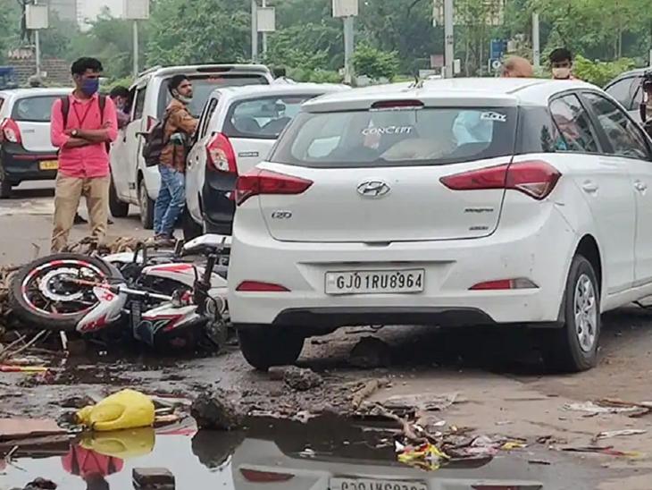 પર્વની કારનો પીછો કરી રહેલી વેન્ટોનો ચાલક ધીર પટેલ નીકળ્યો, સાથે પોલીસ કર્મી કે હોમગાર્ડ જવાનને બેસાડ્યો હોવાનો ખુલાસો અમદાવાદ,Ahmedabad - Divya Bhaskar