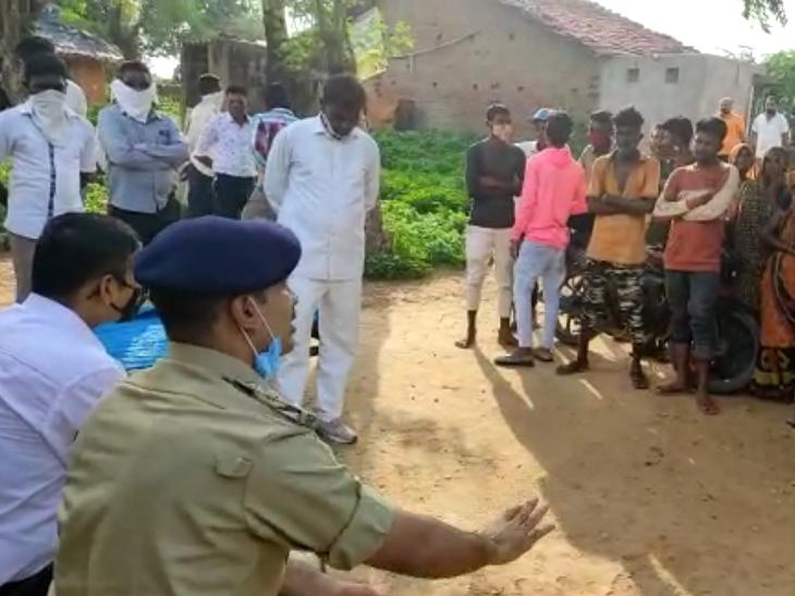 રક્ષણની ખાતરી આપતાં જીતપુરમાં વાલ્મિકી સમાજના લોકો પાછા ફર્યા|મોડાસા (અરવલ્લી),Modasa (Aravalli) - Divya Bhaskar