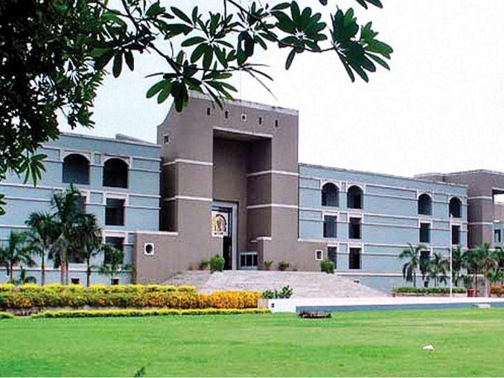 ગ્રાહક પાસેથી વસૂલેલા ટ્રાન્સફોર્મર સહિત અન્ય વધારાના ચાર્જની રકમ 1 મહિનામાં પરત કરવા વીજ કંપનીઓને આદેશ|અમદાવાદ,Ahmedabad - Divya Bhaskar