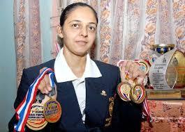 ગાંધીનગરની પારુલ પરમાર ઓલિમ્પિકમાં પેરા બેડમિન્ટન રમનારી દેશની પ્રથમ મહિલા ખેલાડી બનશે|ગાંધીનગર,Gandhinagar - Divya Bhaskar
