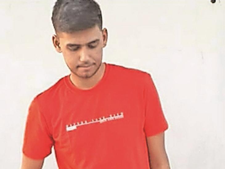 6 માસમાં 33 કિલો વજન ઉતાર્યો, યુવાને 27 મિનિટમાં 3200થી વધુ દોરડા કૂદવાનો વિશ્વ રેકોર્ડ સ્થાપ્યો|રાજકોટ,Rajkot - Divya Bhaskar
