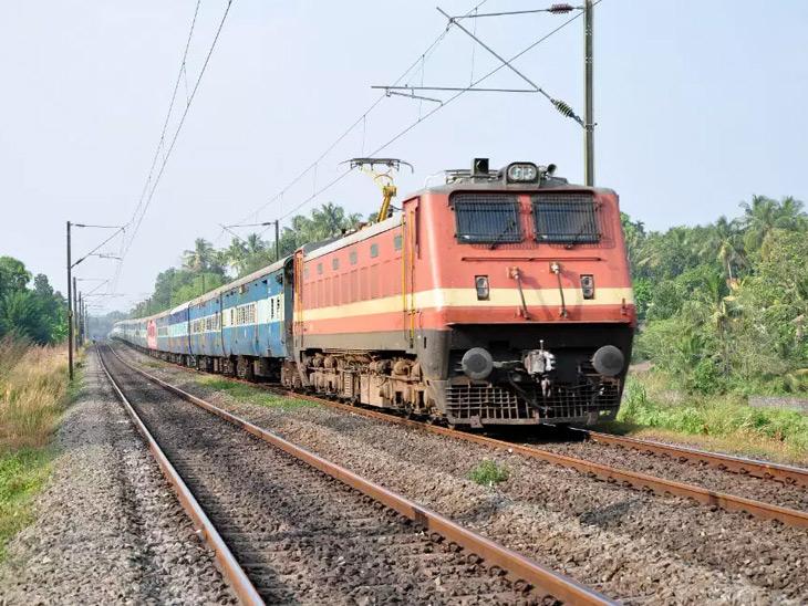 ગુજરાતી યાત્રાળુ માટે રેલવે 28 ઓગસ્ટથી 3 તીર્થયાત્રા, 3 ભારત દર્શન વિશેષ ટ્રેન શરૂ કરશે|અમદાવાદ,Ahmedabad - Divya Bhaskar