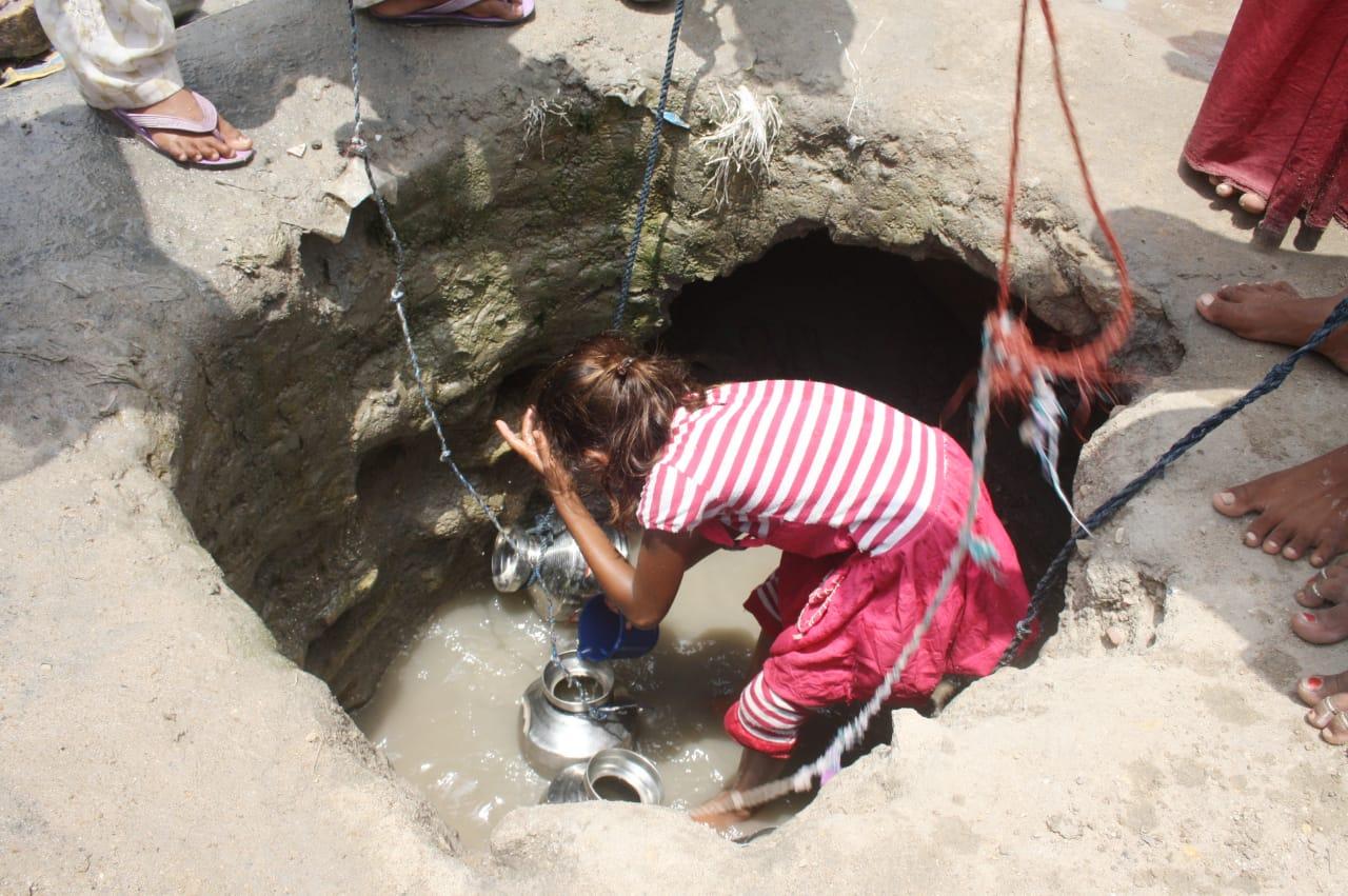 પાટડીના સુરેલ ગામમાં ભર ઉનાળે 20 દિ'થી 5000ની વસ્તીને પીવાના પાણીનો પોકાર - Divya Bhaskar