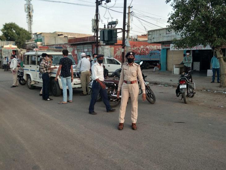 શહેરમાં ટ્રાફિક નિયમોનો ભંગ કરતા ચાલકો સહિતના લોકો સામે તંત્રે કાર્યવાહી કરી હતી. - Divya Bhaskar